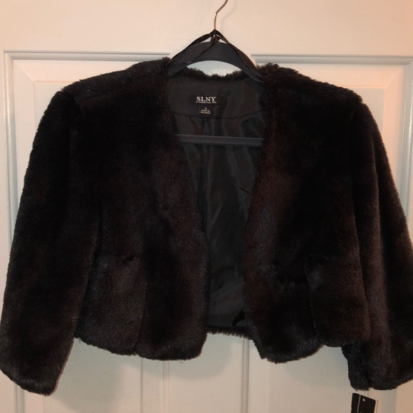 48603c598c0d SLNY fashions for Macy s cropped faux fur jacket